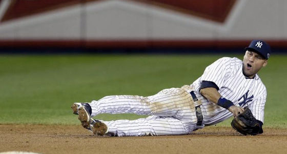 Derek Jeter Bothersome Ankle Leads to Fracture